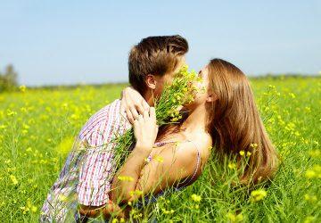 Тайна первых поцелуев