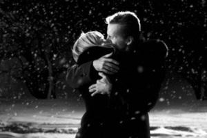 Поцелуй из фильма «Город грехов»