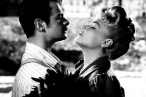 Поцелуй из фильма «Золотая каска»