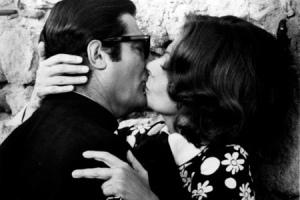 Поцелуй из фильма «Жена священника»