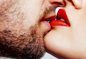 10 поцелуев, которые сведут его с ума